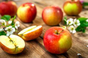 ข้อดีและข้อเสียของการบริโภคผลแอปเปิ้ลต่อวัน